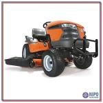 Trator cortador de grama