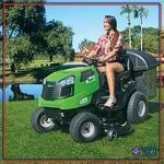 Trator cortador de grama com recolhedor